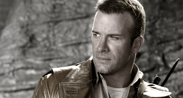 1922 star Thomas Jane talks about The Predator!