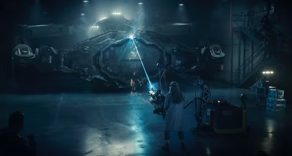 2 new Independence Day: Resurgence movie clips introduce us to the Brackish Okun Laser!