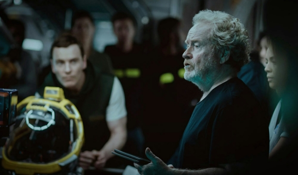 Ridley Scott Spotlights New Alien: Covenant Behind-the-Scenes Image