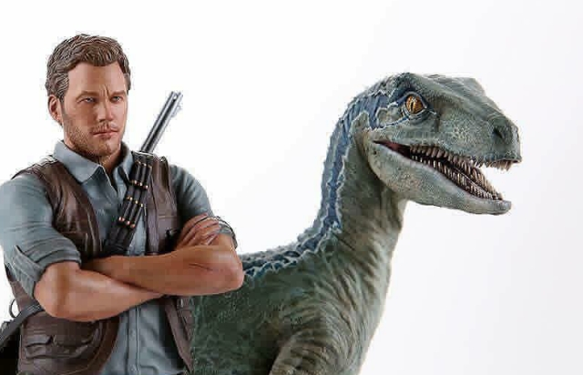 Chronicle announce 1:9 scale Owen & Blue Jurassic World statue!