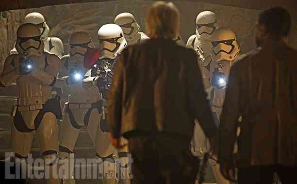 First look at Star Wars: The Force Awakens deleted scenes!
