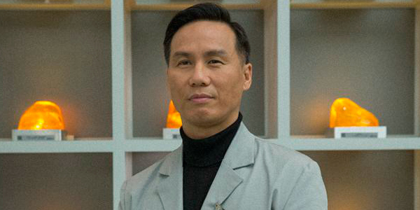 Frank Marshall hints at a return for Henry Wu in Jurassic World 2!