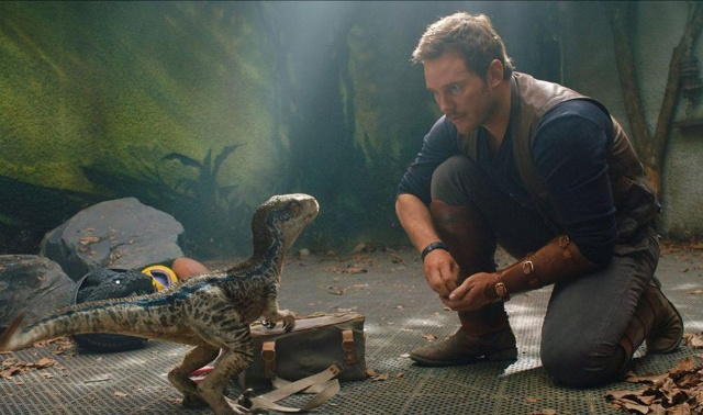 Jurassic Journals: Take a look behind the scenes of Jurassic World: Fallen Kingdom!