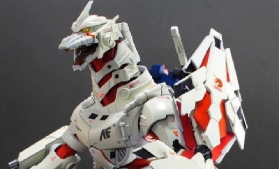 Gundam meets Godzilla with this Kiryu fusion model!