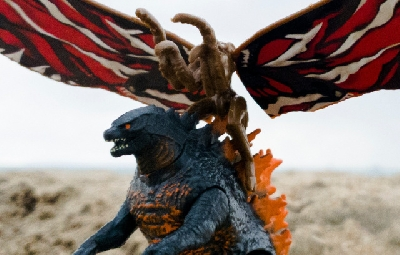 Toy Fair 2019: Closer look at Jakks Fire Godzilla vs. Mothra figures!