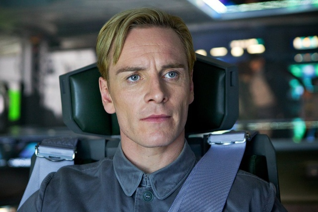 Michael Fassbender discusses David, Walter and Shaw in Alien: Covenant!