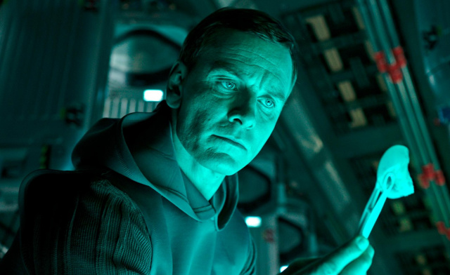 Michael Fassbender says he would love to play David again in a sequel to Alien: Covenant!