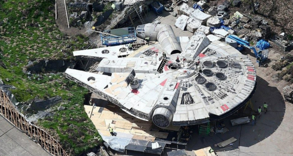Millennium Falcon and Anch-To recreated for Star Wars Episode VIII!