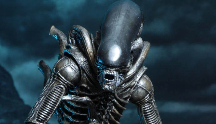 NECA Burke & Xenomorph Hadley's Hope figure set revealed!