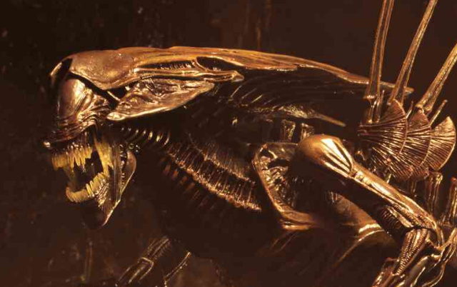 NECA unveil new Alien: Resurrection Queen figure!
