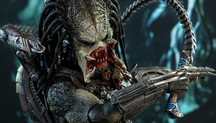New Aliens vs. Predator Requiem Wolf Predator sixth scale figure unveiled!
