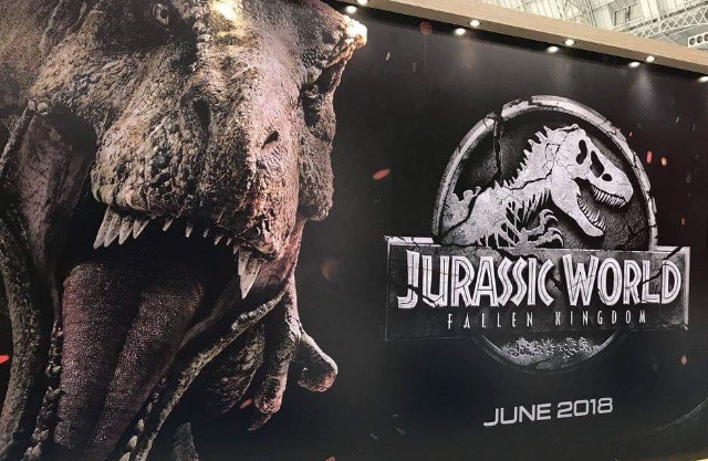 New Jurassic World 2 banners spotted at Licensing Expo!