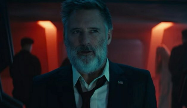 President Whitmore and Dr. Okun observe captive Aliens in new Independence Day: Resurgence movie clip!