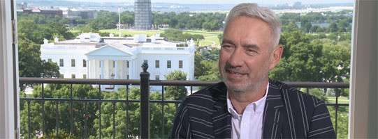 Roland Emmerich to direct Moonfall