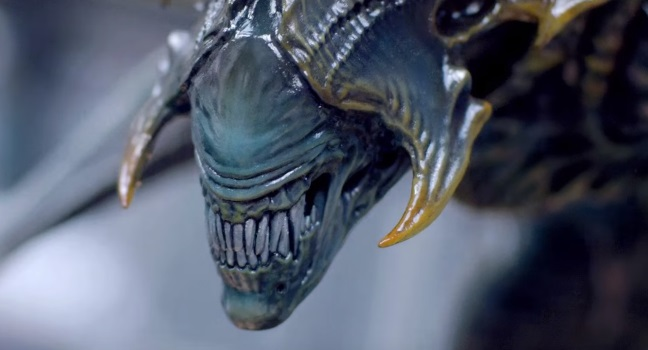 Sideshow Collectibles unveil epic Alien King statue for Alien Day!
