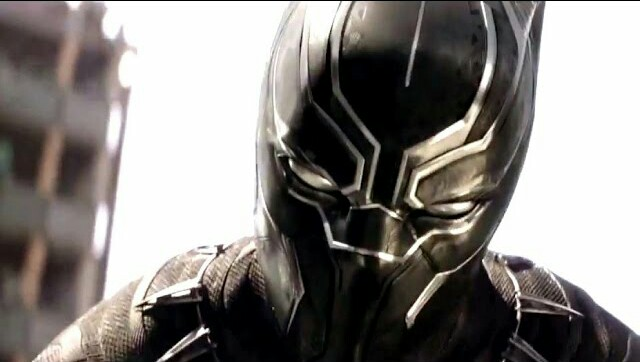 Black Panther battles Bucky in new Captain America: Civil War movie clip!