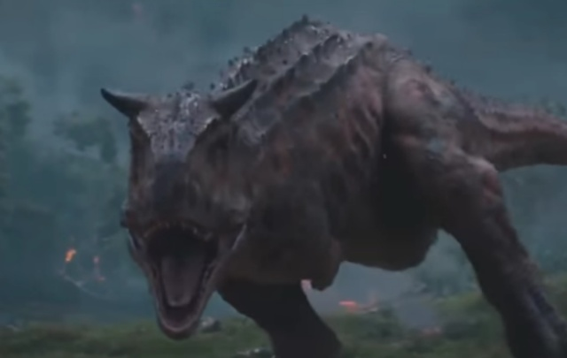 T-Rex vs. Carnotaurus Jurassic World: Fallen Kingdom movie clip!