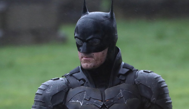 The Batman (2021): Set photos reveal new Batsuit and it is terrible.