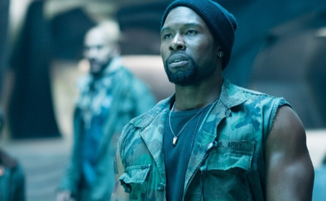 Trevante Rhodes shares new The Predator movie still!
