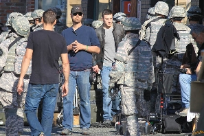 Set Photo: Aaron Taylor-Johnson on Godzilla Set