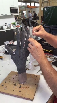 Alien: Covenant Alien hand creation