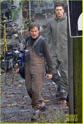 Bryan Cranston and Aaron Johnson on Godzilla Set