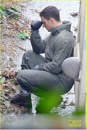 More Godzilla 2014 set photos - Aaron Johnson