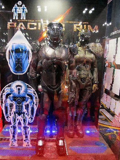 A look at the Pacific Rim Costumes from NYCC