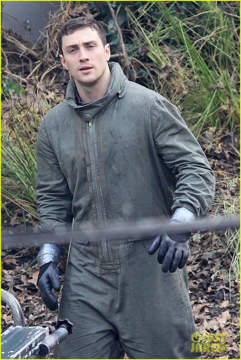 Aaron Johnson on Godzilla 2014 Set