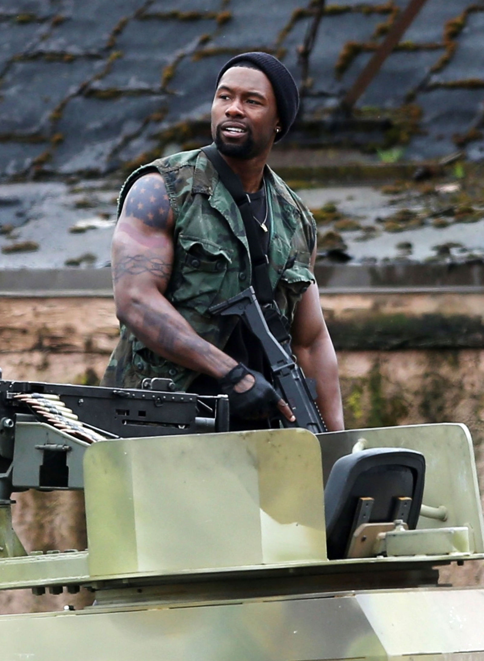 The Predator (Predator 4) set photos