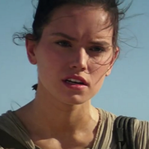 Daisy Ridleys Rey To Use Staff Weapon In Star Wars: The Force Awakens!
