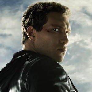 Sarah Connor and Kyle Reese Featured in New Terminator Genisys Promotional Posters!