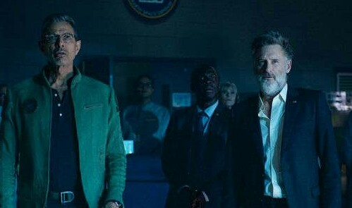Goldblum and Pullman are back in new Independence Day: Resurgence movie still!