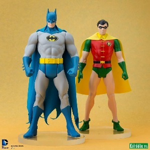 Kotobukiya Reveals DC Super Powers Batman & Robin Statues