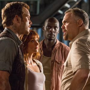 5 New Jurassic World Movie Stills Surface Online!