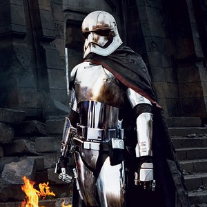 Gwendoline Christie's Star Wars VII Chrome Trooper Captain Phasma, Secretly a Dark Side User? Not a Sith Lord.