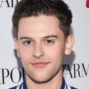 Travis Tope joins Indpendence Day 2 Cast!