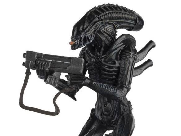 There isn't anything other than anti climactic-ness that prevents the aliens from using guns, isn't it?