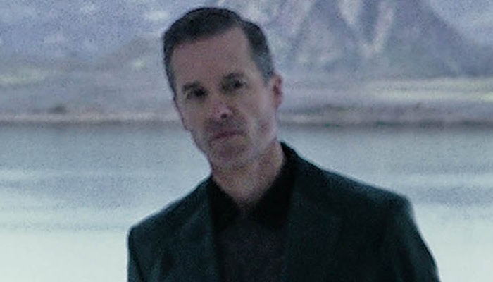 Let's see some love for Guy Pearce as Weyland!!